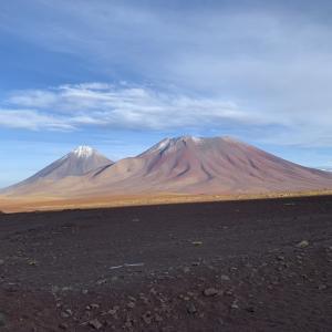 【チリ→ボリビア】チリのアタカマからボリビアのウユニ塩湖に抜ける2泊3日のツアー参加!