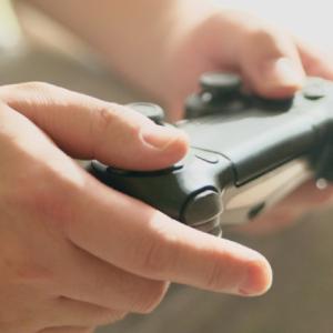 親指でんきの新「ゲームプラン」とは?ゲーマーを応援する電気料金プランを紹介