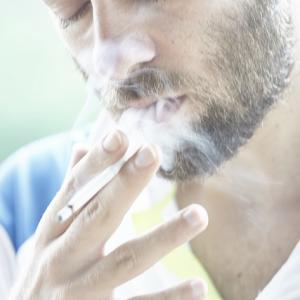 タバコを吸うと頭がすっきりする理由。喫煙者に読んで欲しい!