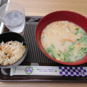 260円のとんこつラーメンと180円のあさりご飯@更科食品株式会社(谷六)