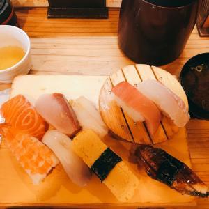 この立ち食い寿司屋さんに行列ができる意外な理由。健康も商売繁盛も決め手はこれ⁉️