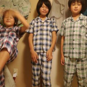 パジャマ3兄弟