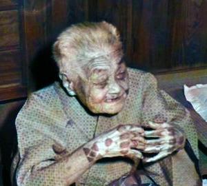 沖縄女性の手に彫る入れ墨「ハジチ」についてご紹介します