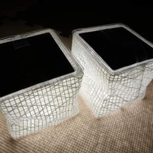 台風の夜はキャンプ用ランタンが心強い。ソーラー充電式「キャリー・ザ・サン」が実用的です。