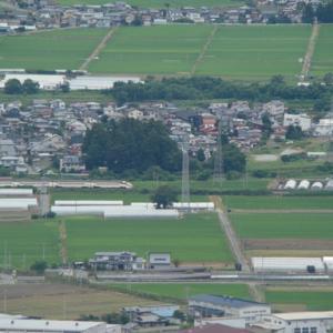 大岡山からの俯瞰 高速を潜る