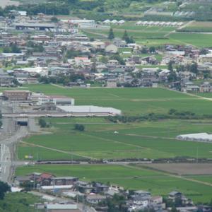 大岡山からの俯瞰 県立中央病院の向こう