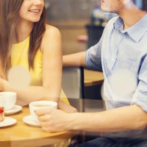 【男性に耳の痛い話】婚活では、告白するまでボディタッチするな