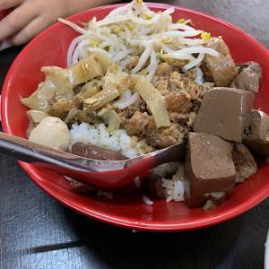 台中継光商店街 人気60年老店『謝氏豆花專賣店』の肉燥飯は日替わりなのか?