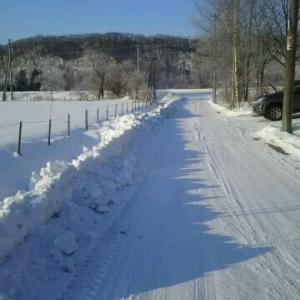 圧雪快適砂利道道路 奥さん中標津まで車で行く チーズ作り