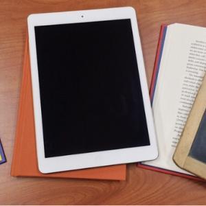 おばあちゃんにiPadをプレゼント!高齢者が初めて使うタブレットの選び方