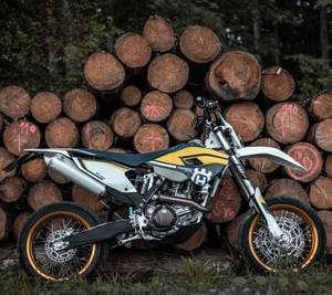 オフロードバイクおすすめ14選!125ccから海外勢まで!装備も紹介!