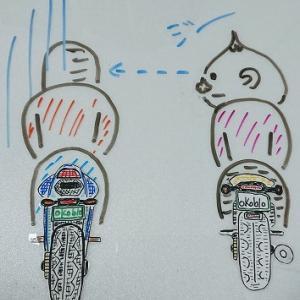 うざいすり抜けをするバイクには「鏡対応」でいいと思うの!HAHAHA!