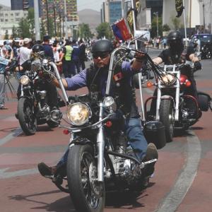 自分で書いた「バイク仲間の探し方」に突っ込んでいく記事!