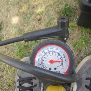 チャリ用ポンプの空気圧計を直してみた。