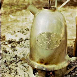 オーストラリアのキャンプ道具 ブッシュケトル