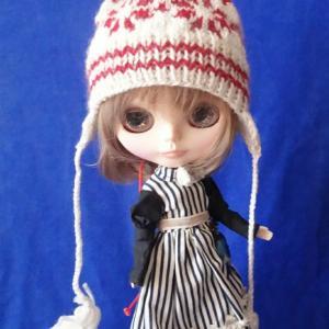 Knit frying cap/ブライスさんの耳当て付きポンポン帽子