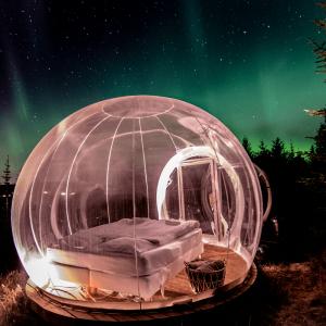 アイスランドでオーロラに包まれる宿泊体験:「THE 5 MILLION STAR HOTEL:バブルホテル」
