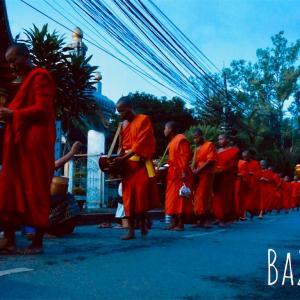 ルアンパバーンの托鉢体験:ラオスで邪念を捨てる