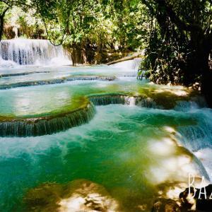 大自然の中にある天然のプール「クアンシーの滝(Kuang Si Falls)」