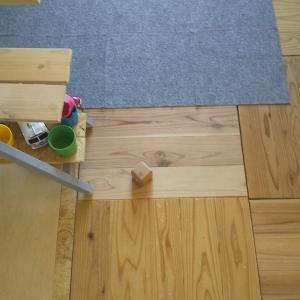賃貸の床問題。