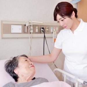 【コロナ不況】介護業界へ転職する人が今後増えていく?