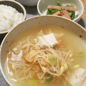 新米と自家製キムチ、干しダラのスープ