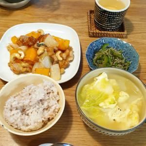 土曜日は鶏肉とカシューナッツの炒め物