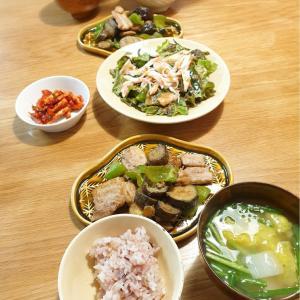 日曜日は豚バラ肉と野菜のにんにく醤油炒め