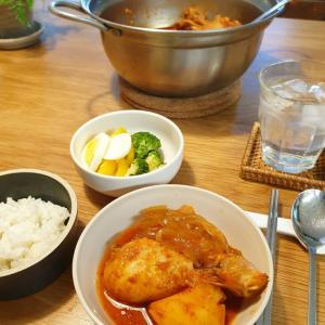 金曜日はお急ぎ、鶏肉とじゃがいもの韓国式煮込み