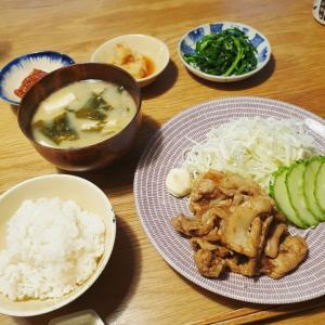 豚の生姜焼き定食風
