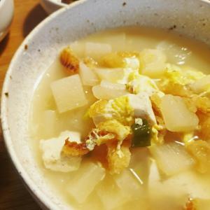 慈味、干しダラのスープと紙飛行機の飛ばし比べ