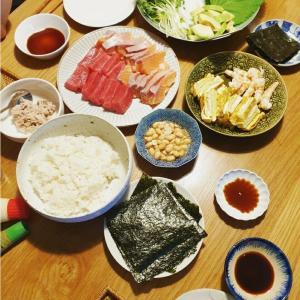 楽しい旧盆休み⑦ みんなでわいわい、思い出の手巻き寿司と、中秋の名月