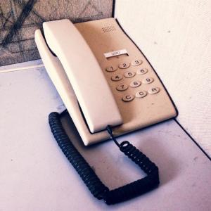 【一日一枚写真】古い電話機【スマホ】