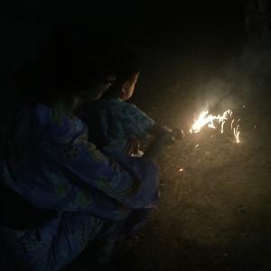 【1歳3歳育児】サラダ作りと初花火【夏休み24日目】