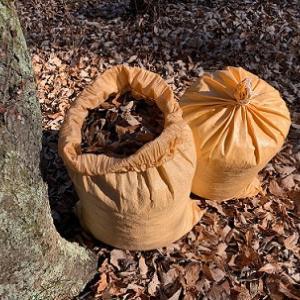 落ち葉を集めて腐葉土に
