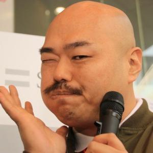 【芸能】クロちゃん、阿佐ヶ谷姉妹との3ショットに暴言を載せて批判殺到!