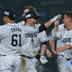 9回裏源田神バントでヘッスラ!森が進撃のバント、アップルパンチでサヨナラ勝ち!