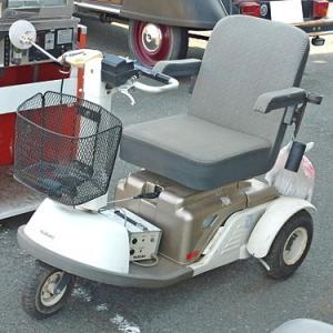 シニアカー!電動カート!電動車椅子!の違いについて!高齢者免許返納後の乗り物