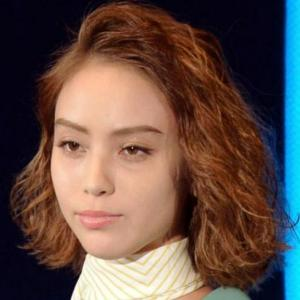 滝沢カレンの日本語下手な理由はわざと?言語障害?天然説もかなり濃厚!