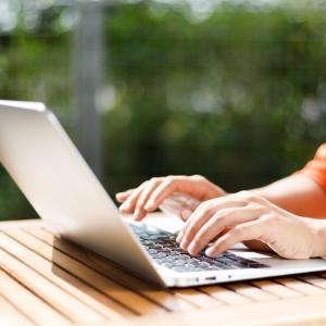 指名検索でSEO|雑記ブログのサイト名が関連キーワードに表示されるには?