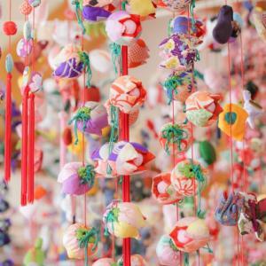 【〜3/31雛のつるし飾り祭開催中】稲取で金目鯛と朝市を楽しもう