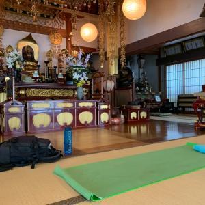 初体験「お寺でヨガ」大蓮寺