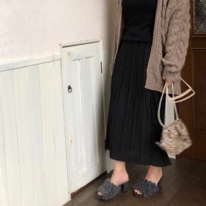 UNIQLO、ワゴンセールのスカート