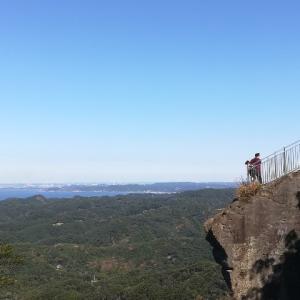 千葉県の鋸山(のこぎりやま)にハイキングに行きました