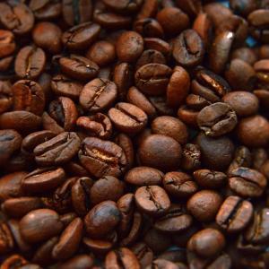 コーヒー豆って食べても大丈夫?体にはどんな影響がある?