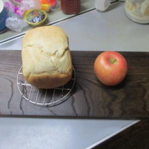 明日のパンを焼きました、