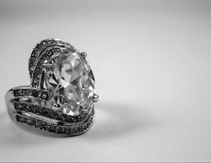 窪田正孝と水川あさみの結婚指輪の値段は?