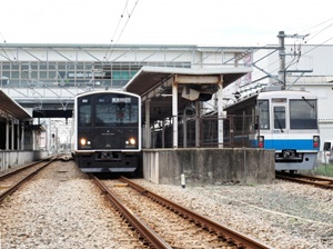 JR九州筑肥線一部で線路崩壊し終日運休!