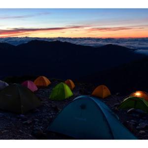 初心者必見!テントの自立式/非自立式って、どっちがいいの?