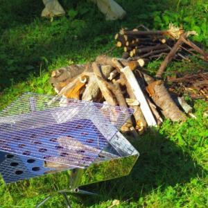 初心者オススメ!焚き火の基本的なやり方&効果的な薪の組み方!